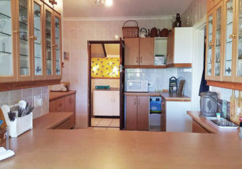 Well equipped kitchen with scullery